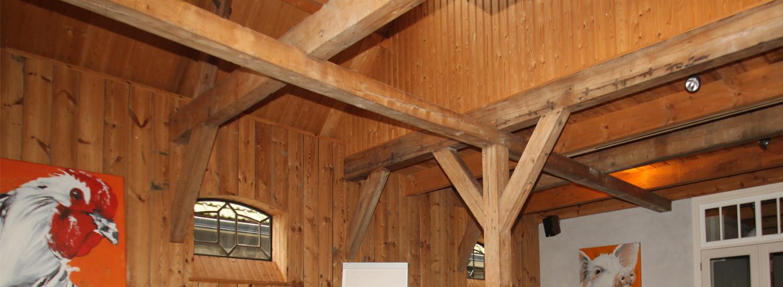 De authentieke balken van de Overhorn vergaderzaal
