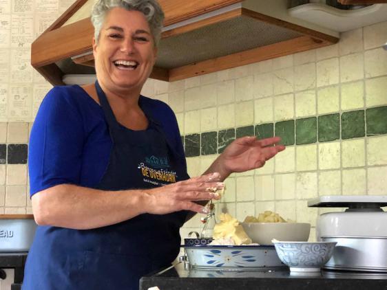 Diana aan het bakken